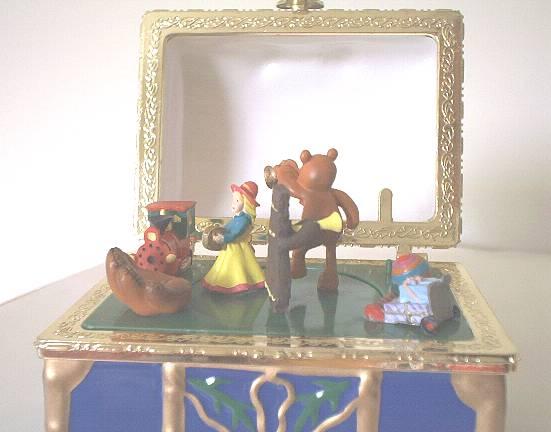 Christmas Toy Box : Toy chest mr christmas music box ebay