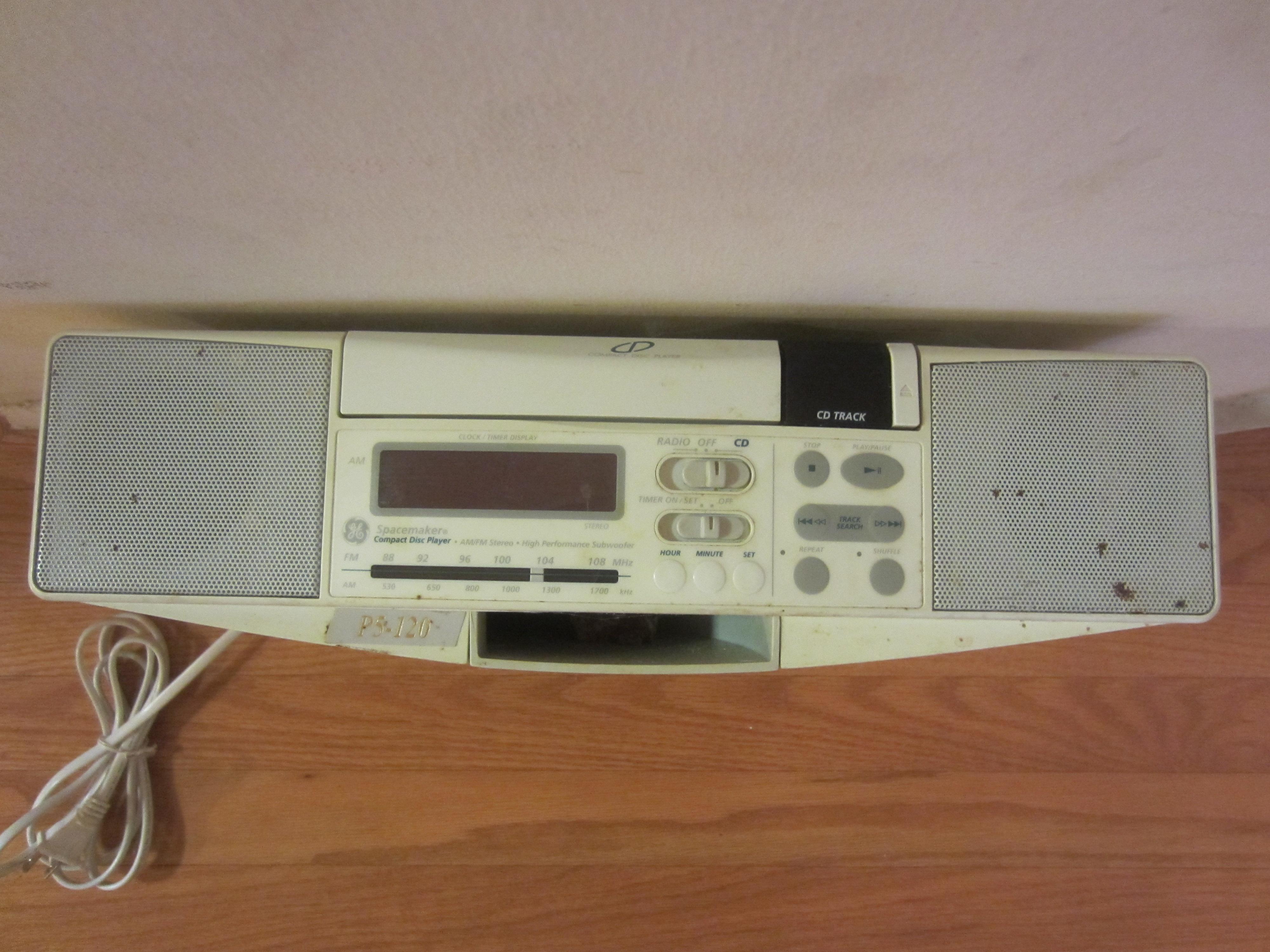 ge spacemaker 7 4290g under cabinet cd player am fm radio. Black Bedroom Furniture Sets. Home Design Ideas